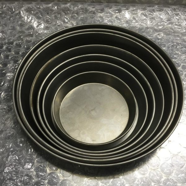 "10"" IRON PIZZA PANS FOR DEEP PAN PIZZA"
